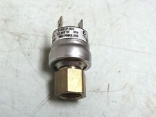 JOHNSON CONTROLS P100 CP-99D PRESSURE SWITCH FREE SHIP