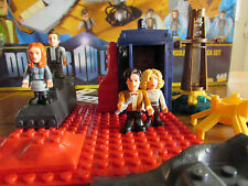 Doctor Who Micro Figura Personaje Building Set - 11th Dr, Amy, Río, Rory, Tardis