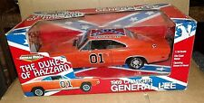 GENERAL LEE DUKES OF HAZZARD 1:18 1969 DODGE CHARGER TOMY ERTL