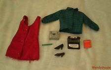 VINTAGE TRESSY DOLL IN THE OFFICE OUTFIT - FREE UK P & P