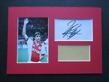 HOLLAND - AJAX JOHAN CRUYFF GENUINE SIGNED A4 MOUNTED CARD w/ PHOTO DISPLAY- COA