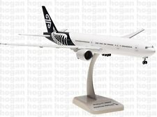 0076 Air New Zealand B777-300ER New Livery Hogan Wings 1:200 plastic model
