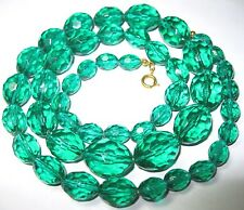 PRETTY VINTAGE 1950's Emerald Green Faceted LUCITE Early Plastic BEAD NECKLACE
