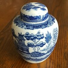 """Blue Willow Ginger Jar with Lid 1980s Japan 5"""" Tall"""