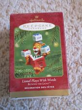 2001 HALLMARK  Ornament LIONEL Plays with Words Between the Lions