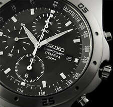 NEW MEN'S SEIKO TITANIUM RACING CHRONOGRAPH CHARCOAL DIAL SPORTS WATCH SND419P1