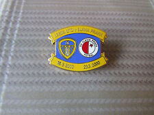 LEEDS United v SLAVIA Praha UEFA Cup 2000 FOOTBALL Pin Badge