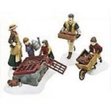 DEPT 56 DICKENS VILLAGE - TENDING THE COLD FRAME