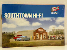 "WALTHERS/CORNERSTONE HO U/A ""SOUTHTOWN HI-FI"" PLASTIC MODEL KIT #933-2919"