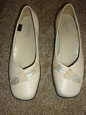 Hotter beige shoes size 3