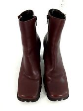 WANTED WOMENS BURGUNDY LEATHER SIDE ZIP BOOTS SIZE 7,5 M SUPER CUTE