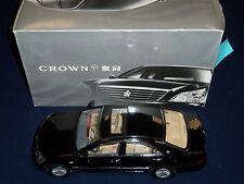 TOYOTA CROWN VINTAGE CHINESE DIECAST MODEL 1:18 SCALE - BLACK COLOR - 34