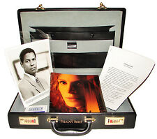 1993 THE PELICAN BRIEF Movie Press Kit Briefcase 12 8x10 Photos Production Notes