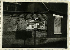 PHOTO ANCIENNE - VINTAGE SNAPSHOT - PANNEAU OISE GRANDVILLIERS ABBEVILLE - SIGN