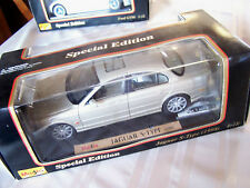 1998 JAGUAR S-TYPE SEDAN SILVER/GOLD WITH TAN INTERIOR 1-18 MAISTO BOXED
