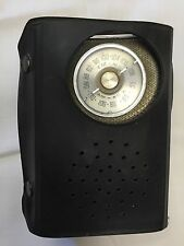 Vintage ZENITH R25Y Transistor Pocket FM/AM Radio w/ Case