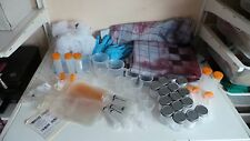 Job lot halloween asylum medical party props scène setter seringue tasses masque de sang