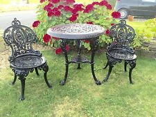 Cast Iron Table And Chairs / Garden Furniture