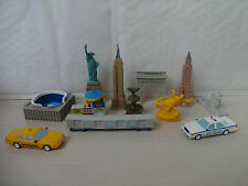 AROUND THE WORLD - NEW YORK CAKE TOPPERS 12 PLASTIC FIGURES BRAND NEW FREE P+P