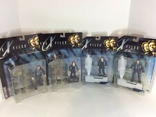 The X Files Agent Dana Sculls & Fox Mulder NIB Figure Fight The Future Lot