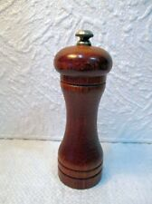 Ancien moulin à poivre cylindrique SEFAMA