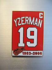 STEVE YZERMAN DETROIT RED WINGS  RETIREMENT BANNER LAPEL PIN