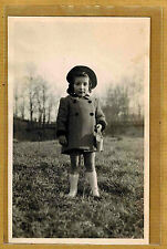 Carte Photo vintage card RPPC enfant fillette manteau sac mode fashion ph0194