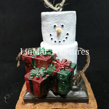 S'mores Ornament with Christmas Presents