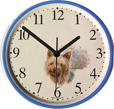 150434B  Artline Keramik Hund Uhr, Yorkshire Terrier  Blaurand handbem.  Quarz