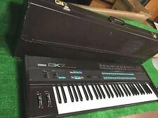 Yamaha DX7 61 key Synthesizer Keyboard with original hard case