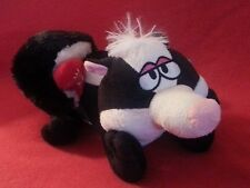 Electronic Animated Skunk Singing Love Stinks Divorce Separation View Video NWT