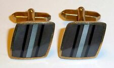 A VINTAGE 1960s PAIR OF CUFFLINKS SET WITH WHITE, GREY & BLACK MOTHER OF PEARL