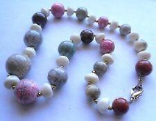 joli collier perle résine bijou vintage couleur or pastel rose gris marbré A17