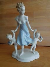 METZLER AND ORTLOFF LARGE PORCELAIN FIGURE GROUP OF YOUNG MUM WITH CHILDREN