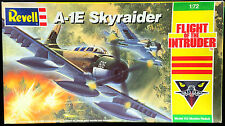 """Revell Kit No.4394, """"FLIGHT of the INTRUDER"""", A-1E, 1/72, -PARTS MINT & COMPLETE"""
