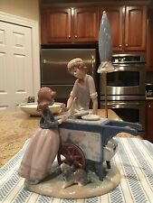 Lladro 5325 Ice Cream Vendor - Mint Condition