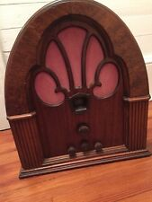 Antique 1931 Philco Model 70 Baby Grand Cathedral tube radio wood case