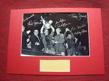 MANCHESTER UNITED 1968 EUROPEAN CUP WIN *7* HAND SIGNED PHOTO MOUNT DISPLAY-COA