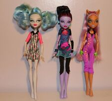 Monster High Dolls - Roller Maze Ghoulia - Ghouls Rule Clawdeen - Jane Boolittle