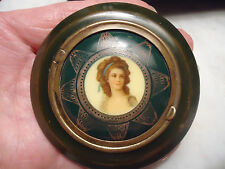 ANTIQUE LOVELY PORTRAIT COMPACT MIRROR MAKEUP ROUGE MIRROR ON BACKSIDE RARE