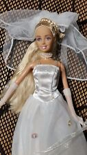BARBIE DOLL BRIDE  IN  WEDDING  DRESS VERY PRETTY