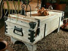 coffre de voyage en bois ancien table basse de campagne