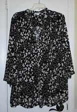 WOMAN'S BLACK AND WHITE BUTTERFLY PRINT BUTTON DOWN SHIRT PLUS SIZE 2