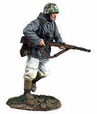 BRITAINS WORLD WAR 2 GERMAN 25062 VOLKSGRENADIER RUNNING WITH K-98 NO.1 MIB