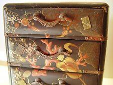 China, Lack Schränkchen, kleiner chinesischer Miniatur Schrank, Holz, um 1900.