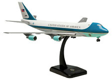 Air Force One Boeing 747-200 1:200 Hogan Flugzeug Modell B747 NEU USAF 2049