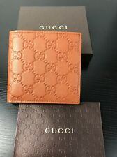 NWT Authentic GUCCI GG Embossed Leather Men's Bi Folded Wallet In Brown +RECEIPT