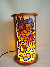 "VINTAGE STAINED SLAG GLASS WOOD TABLE DESK LAMP WORKING 11.50"" TALL"