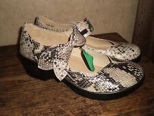 ALEGRIA BY PG LITE ELL-729 GOLD SPAN SNAKE MARY JANE COMFORT SHOE SZ 39
