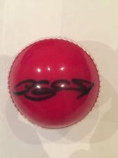 Cricket ball dédicacé par l'angleterre tout rounder andrew flintoff voir signe proof